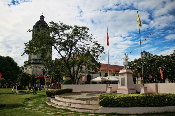 In this photo is the statue of Dr. Jose Rizal ( Philippine's National Hero) located at the heart of our town's municipal plaza. Right behind is the St. Michael the Archangel Church founded on October 16, 1733 and was constructed by Fr. Mateo Perez from 1803 to 1836.